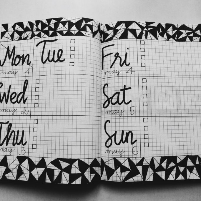 blank-book-calendar-1059383